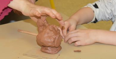 Hands-on artistic workshops for families
